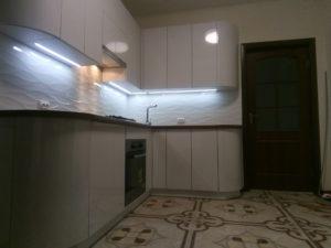 глянцевая кухня, кухня в современном стиле